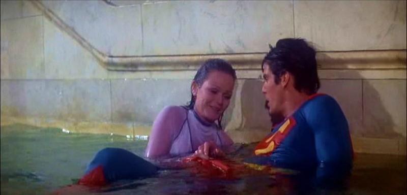 Valerie Perrine e Christopher Reeve in una scena di SUPERMAN