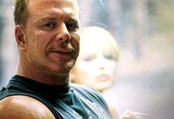Mickey Rourke nel film Domino