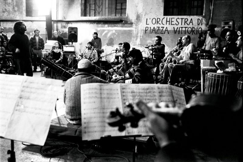 Una scena del film L'orchestra di Piazza Vittorio