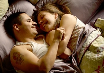Michael Pena e Maggie Gyllenhaal in World Trade Center