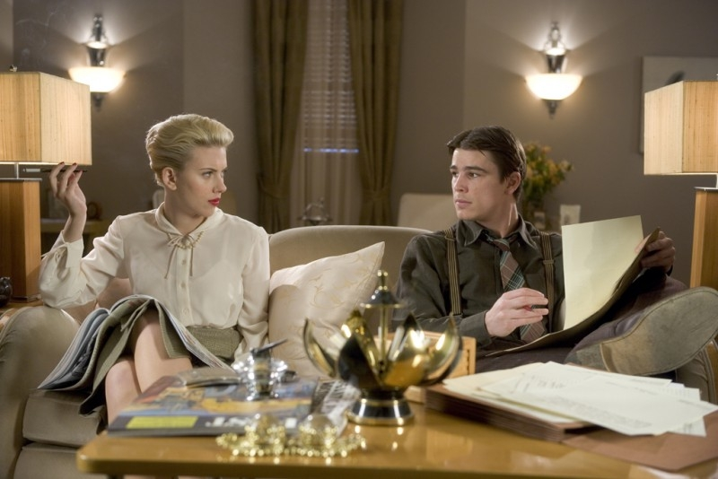 Scarlett Johansson e Josh Hartnett in una scena di The Black Dahlia