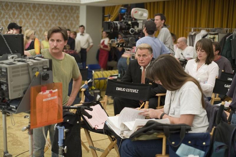 Emilio Estevez sul set di Bobby