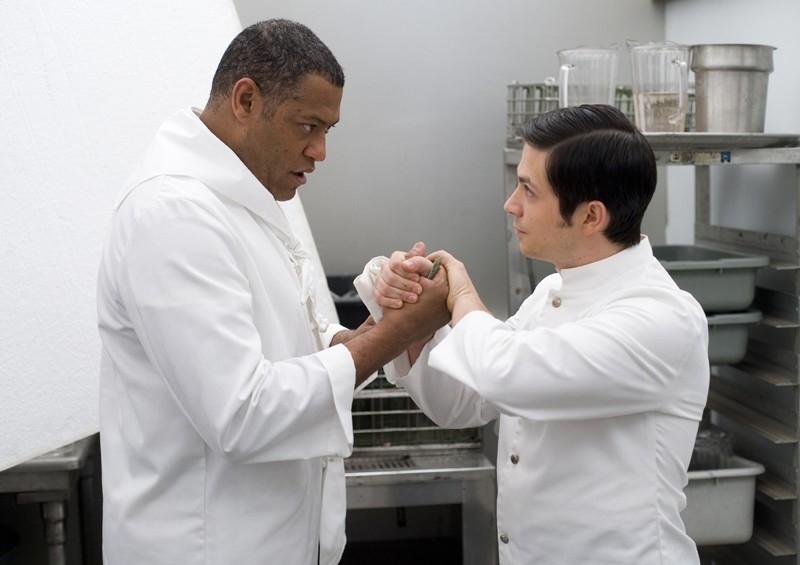 Laurence Fishburne e Jacob Vargas in una scena di Bobby