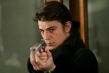 Josh Hartnett in una scena di Slevin - Patto criminale