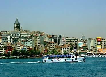 Una scena di Crossing the Bridge - The Sound of Istanbul