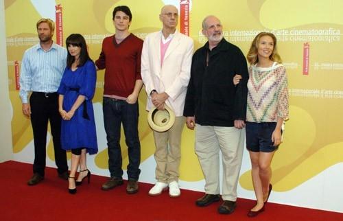 Aaron Eckhart, Mia Kirshner, Josh Hartnett, James Ellroy, Brian De Palma e Scarlett Johansson  a Venezia per presentare The Black Dahlia