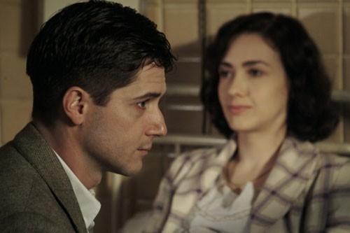 Anita Caprioli ed Ettore Bassi in una scena di Per non dimenticarti