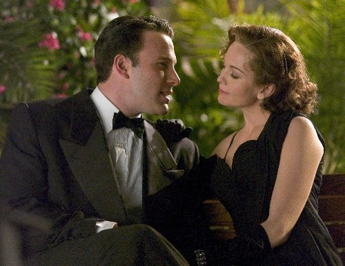 Ben Affleck e Diane Lane in una scena del film Hollywoodland