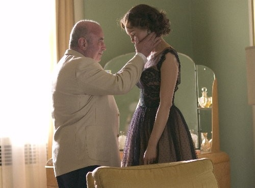 Bob Hoskins e Diane Lane in una scena del film Hollywoodland