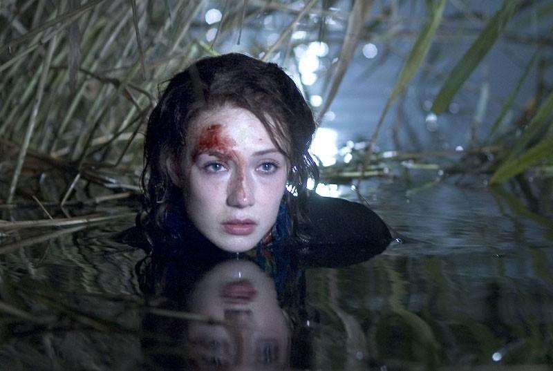Carice van Houten in una scena di Black Book
