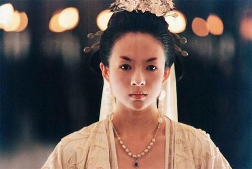 Una splendida Zhang Ziyi in una scena del film The Banquet