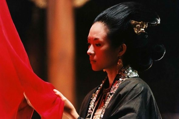 Zhang Ziyi in una scena del film The Banquet