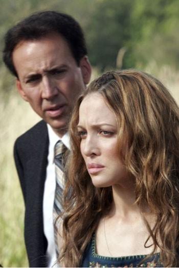 Nicolas Cage e Kate Beahan in una scena del film The Wicker Man