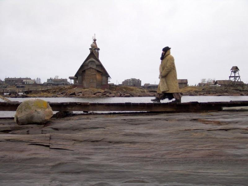 Una scena del film Ostrov, di Pavel Lounguine