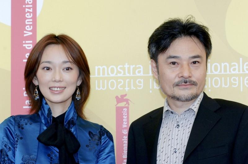 Venezia 2006: il regista Kiyoshi Kurosawa e l'attrice Hazuki Riona presentano il film Retribuition