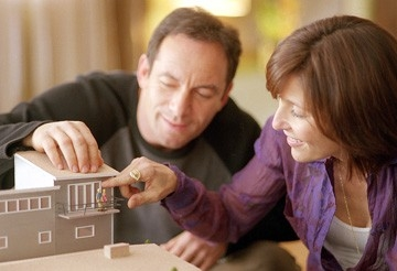 Jason Isaacs e Catherine Keener in Friends with Money