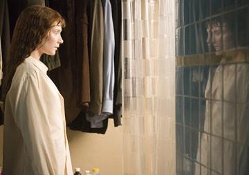 Bryce Dallas Howard in una scena di Lady in the Water