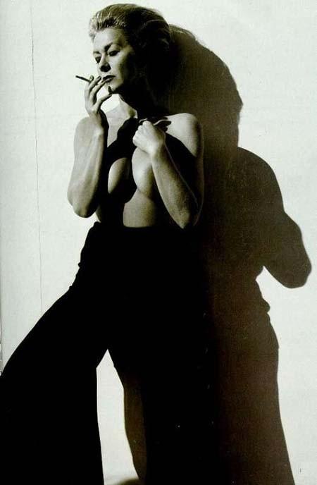 Helen Mirren, fascino in bianco e nero