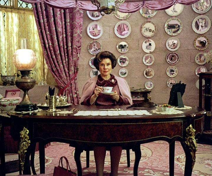 Imelda Staunton in una sequenza di Harry Potter e l'Ordine della Fenice