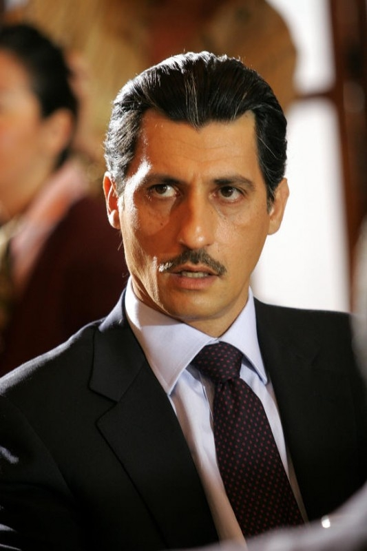 Emilio Solfrizzi in una scena della fiction 'Giovanni Falcone'