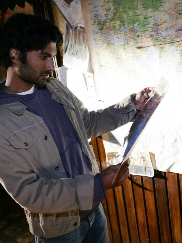 Sendhill Ramamurthy in una scena di 'Heroes'