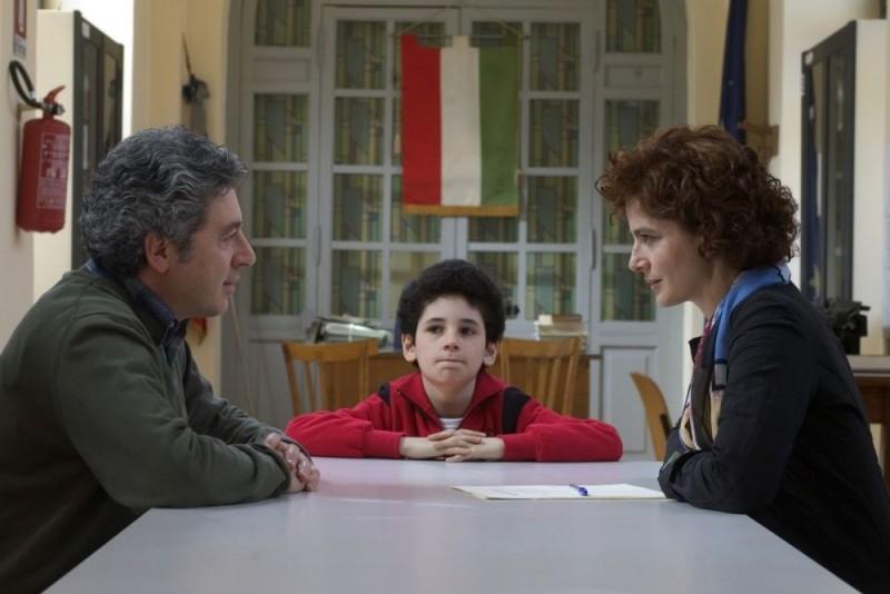 Antonio Catania, Umberto Morelli e Laura Morante in una scena del film Liscio
