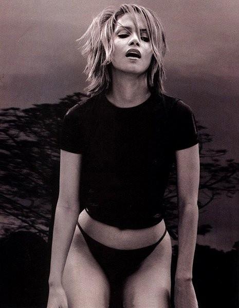 Una sexy immagine di Halle Berry