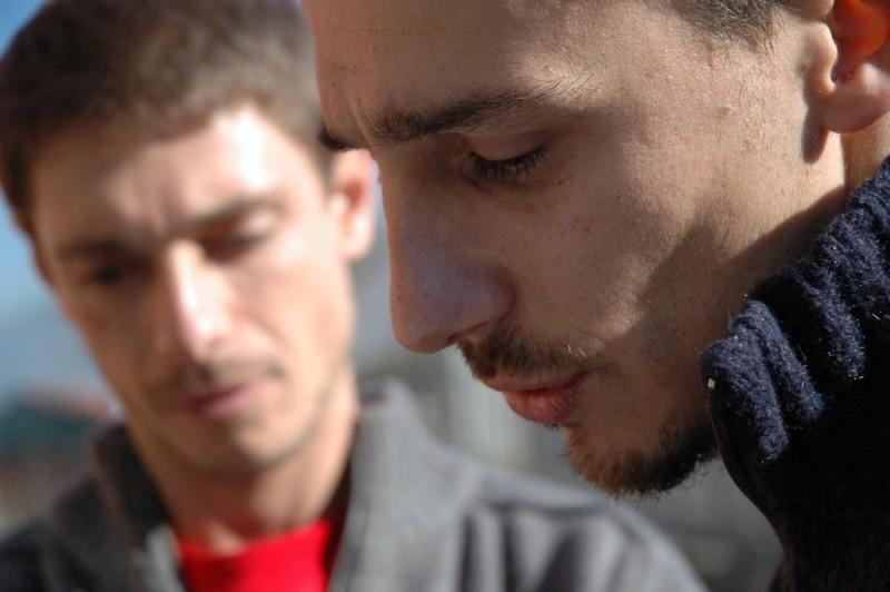 Alessandro Angelini e Giorgio Pasotti sul set di L'aria salata