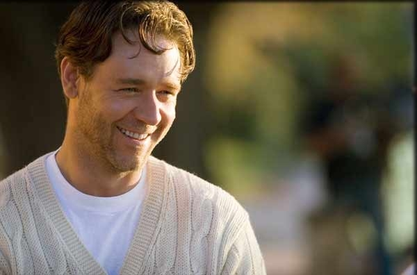 Una bella immagine di Russell Crowe in una scena del film A Good Year