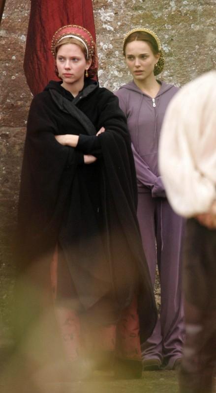 Scarlett Johansson e Natalie Portman sul set di The Other Boleyn Girl