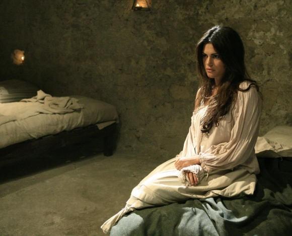 Bianca Guaccero è la giovane interprete di Assunta Spina