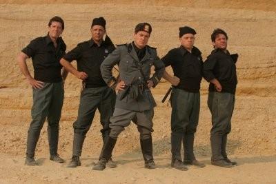 Foto di gruppo per i Fascisti su Marte di Corrado Guzzanti