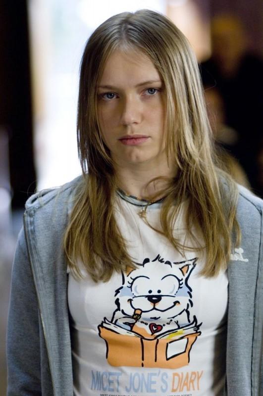 Elena Bouryka in una scena del film Family Game