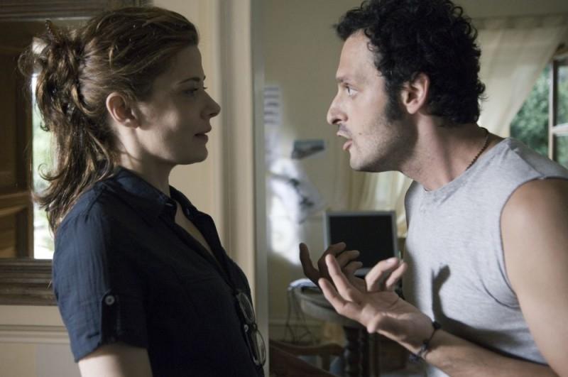 Sandra Ceccarelli e Fabio Troiano in una scena del film Family Game