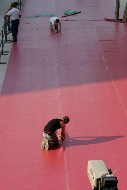Ultimi preparativi per il tappeto rosso della Festa del Cinema di Roma 2006