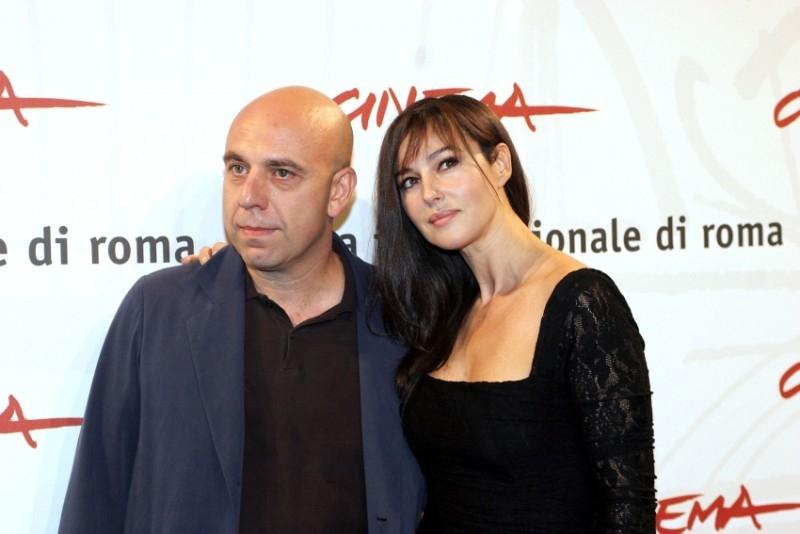 Monica Bellucci accanto a Paolo Virzì a Roma per presentare il film N (Io e Napoleone)