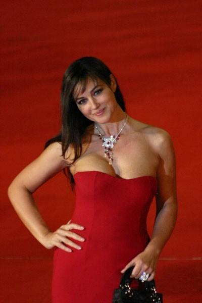 Una splendida Monica Bellucci a Roma per presentare il film N (Io e Napoleone)