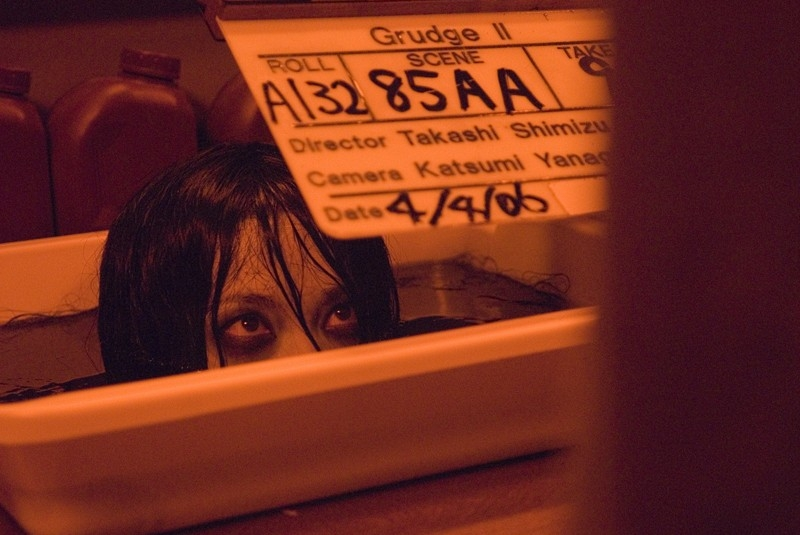 Takako Fuji sul set del film The Grudge 2