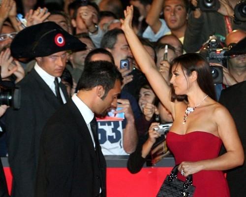 Festa del Cinema di Roma 2006: Una splendida Monica Bellucci presenta (N) io e Napoleone