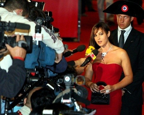 Festa del Cinema di Roma 2006: Una splendida Monica Bellucci presenta alla stampa (N) io e Napoleone
