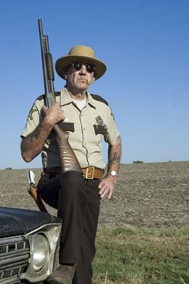 R. Lee Ermey in una sequenza di The Texas Chainsaw Massacre: The Origin