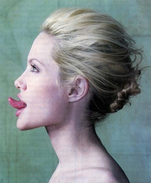 Angelina Jolie in versione bionda