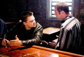 Leonardo DiCaprio e David O'Hara in The Departed