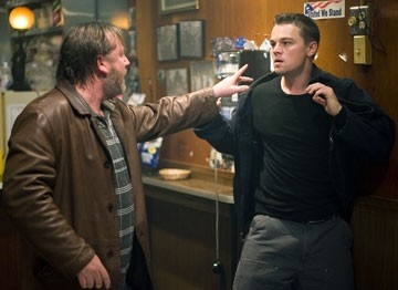Leonardo DiCaprio e Ray Winstone in The Departed