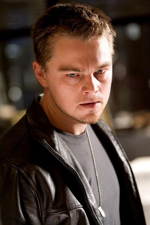 Primo piano di Leonardo DiCaprio in una scena di the Departed