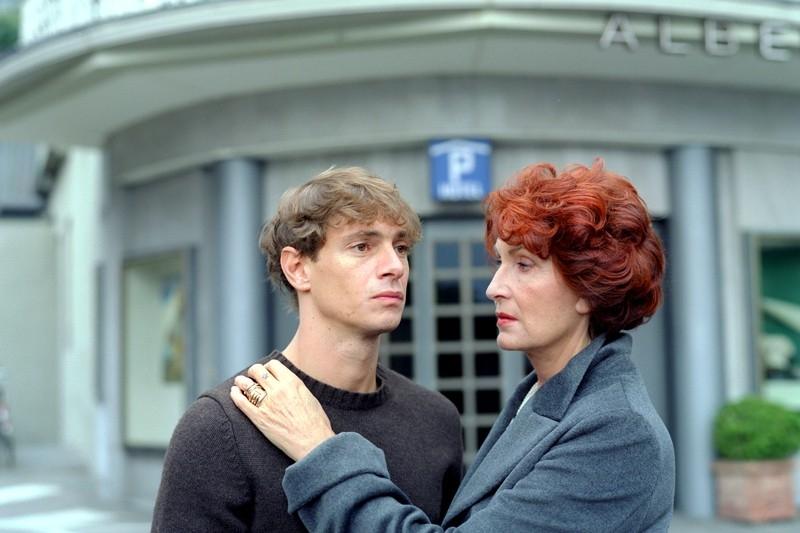 Magda Mercatali e Giorgio Pasotti in una scena del film Quale amore