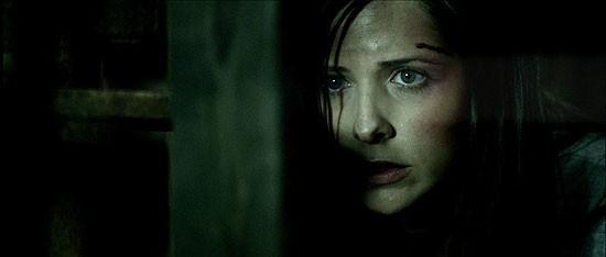 Un primo piano di Sarah Michelle Gellar in una scena del film The Return