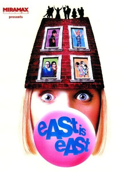 La locandina di East is East
