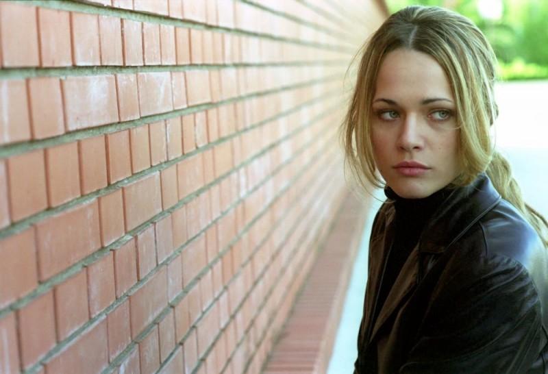 Laura Chiatti in una scena del film L'amico di famiglia