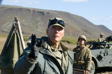 Clint Eastwood sul set di Flags of Our Fathers